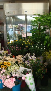 新鮮な生花を週3回(月,水,金)仕入れ
